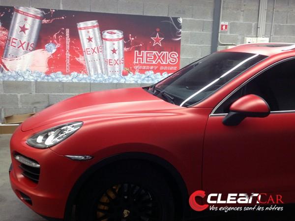 Porsche cayenne en rouge mat