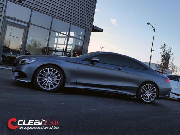 covering complet en gris mat sur une Mercedes